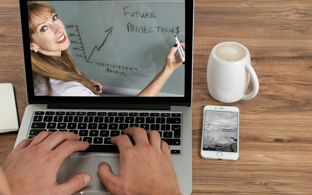 Online kurs på laptop
