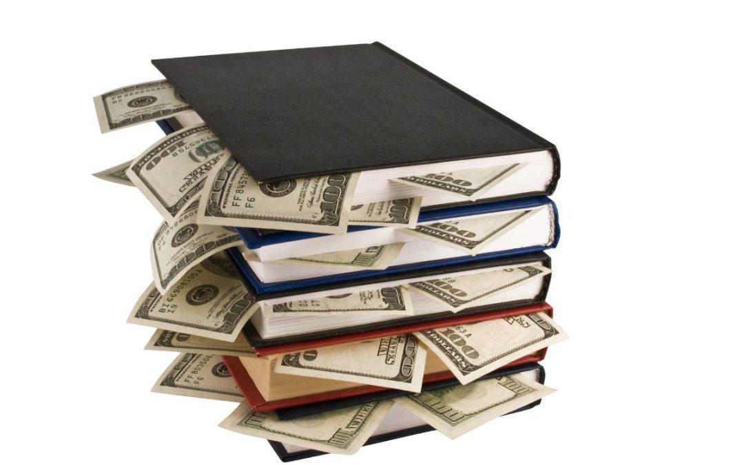 Dollarsedlar i böcker